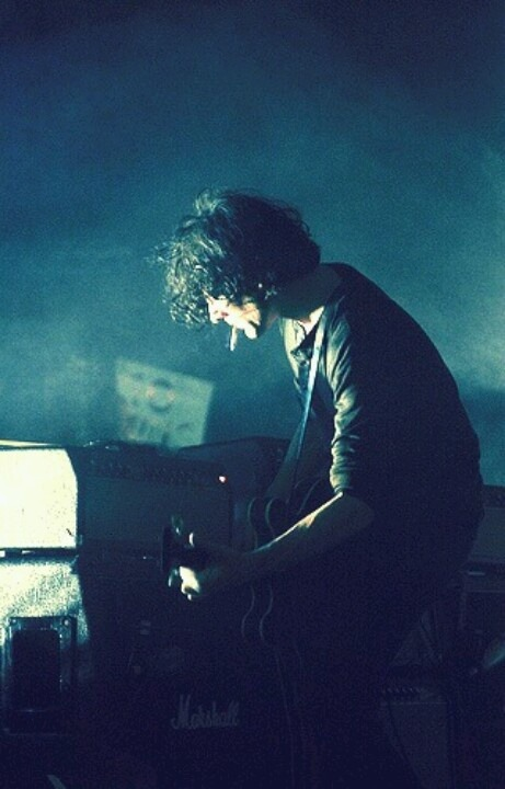 songssmiths:  PHOTO: Jack White  whaaat  guitar is that? since when has jack played through a marshall? so much what….