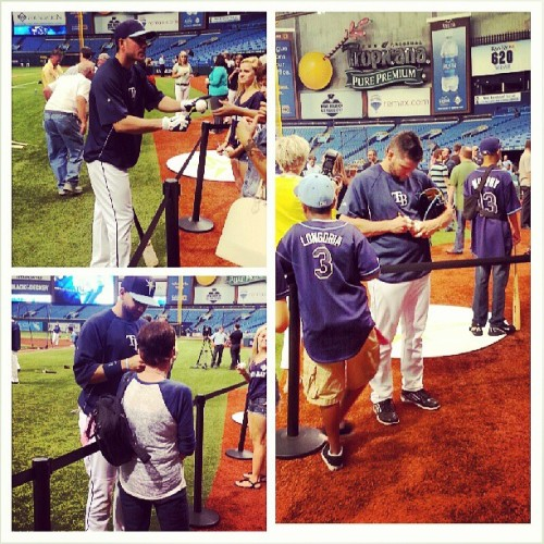 Here's some of the guys (Loney, Scott and Joyce) interacting with fans before tonight's showdown with the Boston Red Sox. #Welcomehome #Rays fans! #raysbaseball #tampabayrays