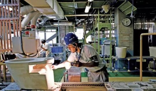 中国制造心塞叫屈:日本马桶盖就很香吗?