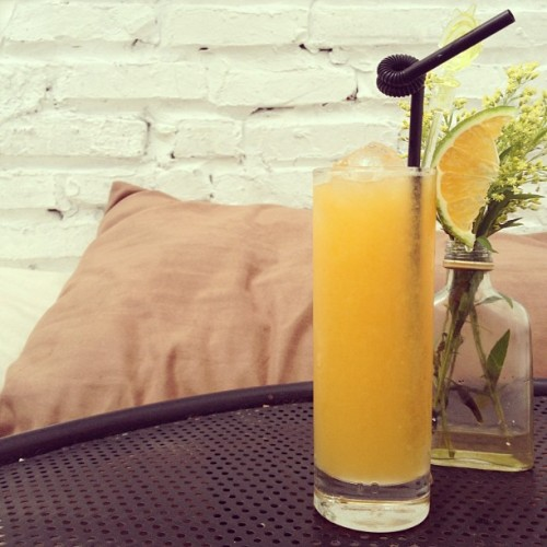 Another #Friday #morning comes, just a #cup of #orange #juice and #enjoy the whole morning. #sangchieutoi  (at Sáng Chiều Tối Cafe)