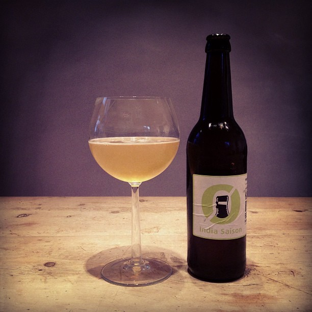 Nøgne Ø - India Saison. #craftbeer #beer #norway #nøgneø #soundtrack #music #spotify Ghost Beach - Close Enough http://open.spotify.com/track/27FZZHS2LOAMLGPqX0JO1n (at Pixelcollectors Lair)