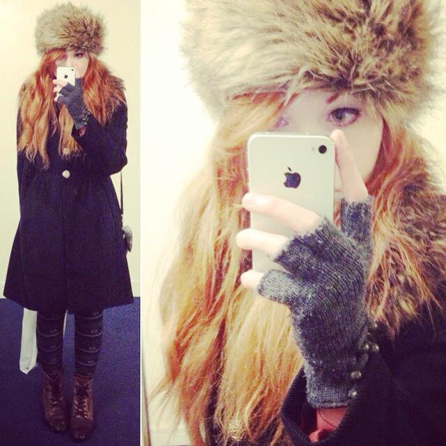 today's outfit / selca. (ノ◕ヮ◕)ノ*:・゚✧ it started snowing here majorly!! i wanted to go out and get some pictures while i could (here) so i wrapped up all warm. sometimes i wish i was a snow princess…