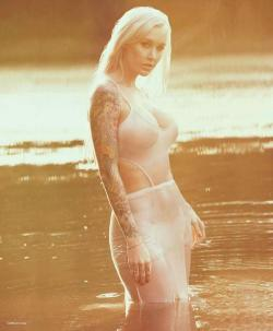 ohmygodbeautifulbitches:  Sabina Kelley