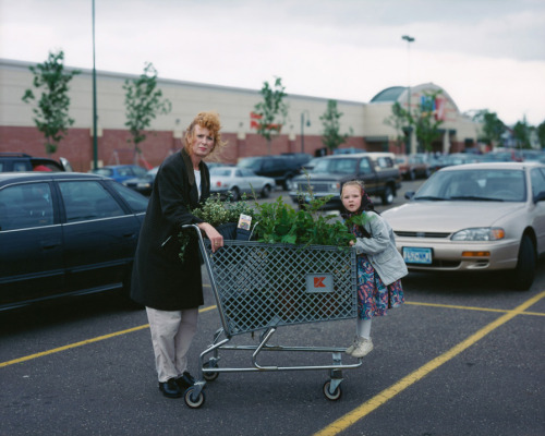 "etherealhome:  ""Mother and Daughter, St. Paul, Minnesota"", 1999, by Alec Soth"