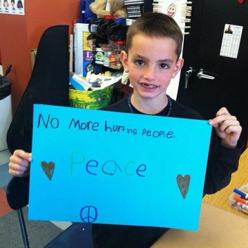 "jedimike1128:  ""No more hurting people. PEACE."" Martin Richard, 8 years old, died yesterday at Boston Marathon Bombing.  😔 #PrayForBoston #MartinRichard #NoMoreHurtingPeople #PEACE"