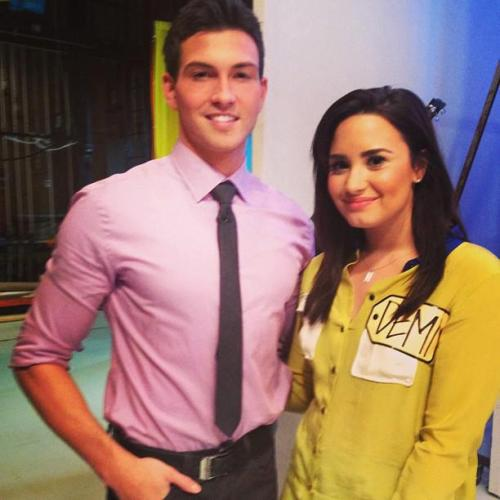 another picture of demi at the price is right