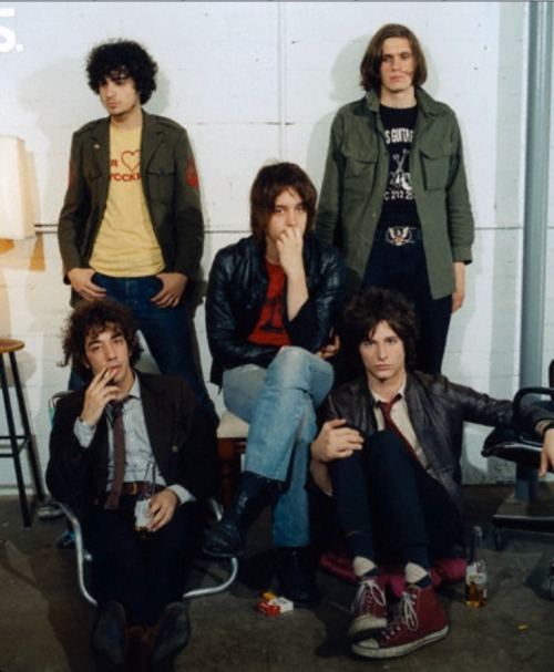 sleepyflowers:  tekena:  The strokes  Wow