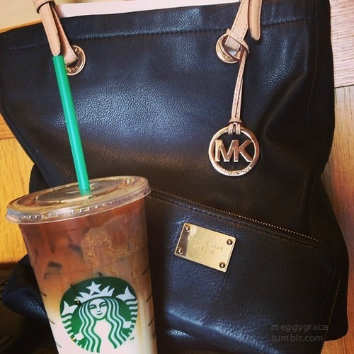 aintnowiifey:  I want this purse