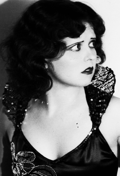 pre-codes:  Clara Bow for Dangerous Curves, 1929