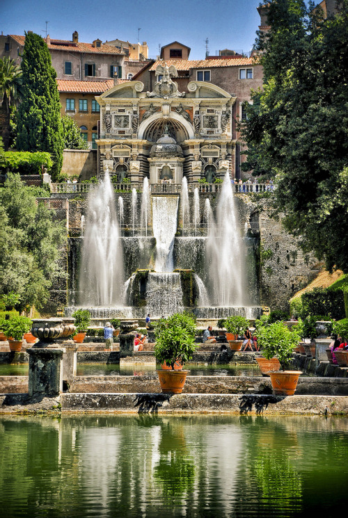 magicalnaturetour:  IV The Organ Fountains from the Fishponds at Villa d'Este,Tivoli, Italy (by petervanallen)