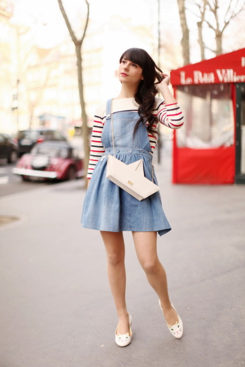"what-do-i-wear:  Marinière / Striped top : Hilfiger Denim Robe / Dress: Dahlia Chaussures / Shoes : Charlotte Olympia Sac / Bag : Moschino Cheap & Chic Rouge à lèvre Chanel Coco Shine ""62 Monte Carlo"" (image: thecherryblossomgirl)"