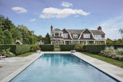 J-lo has bought this dreamy Hamptons estate for a whopping 10 million dollars. Neat.   (via)