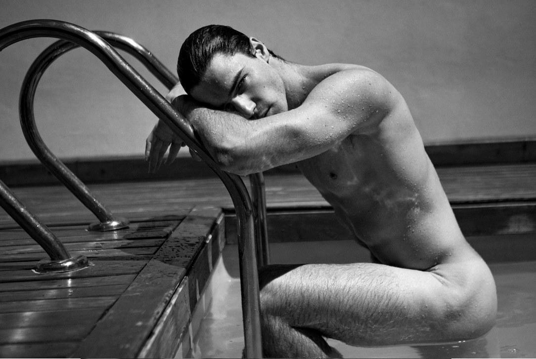 2018-06-14 13:14:15 - httpsfashionablymalenet20180612photographer gaygeekgif http://www.neofic.com
