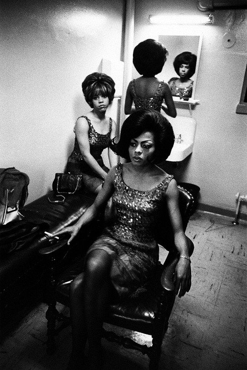 thedoppelganger:  The Supremes backstage during a show, ph. Art Shay, 1961