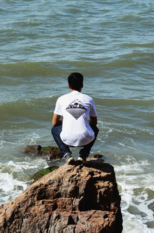 "k3photography:  Simplistic Apparel ""Be Free"" t-shirt in white.Model: Brandon Leow (@K3Photography)FacebookStore"