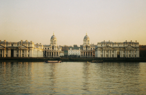 melanc-holia:  Greenwich, London by joe pepper on Flickr.