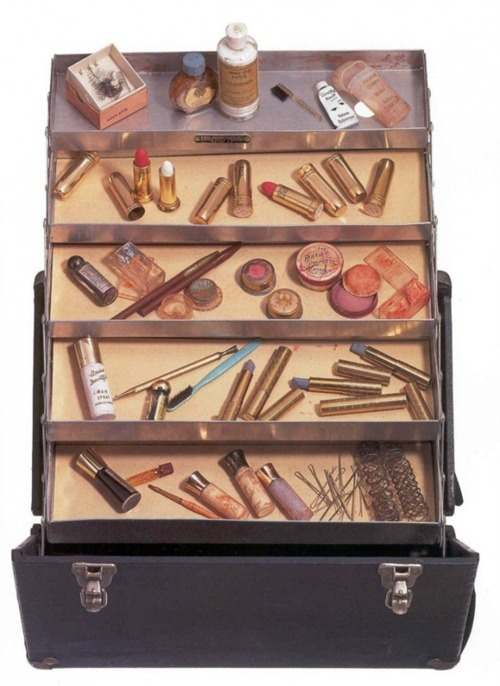 makeupbag:  Marilyn Monroe's Makeup Case.