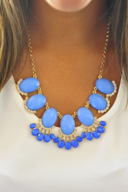 touch-of-turquoise:  Follow me to add a touch of turquoise to your dash!
