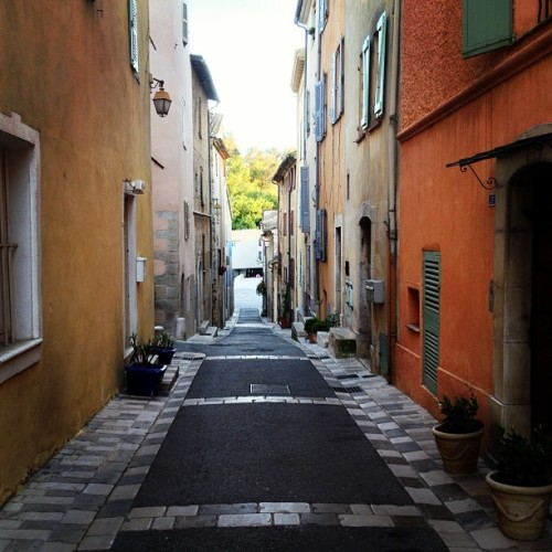Evening stroll (at Valbonne Village)