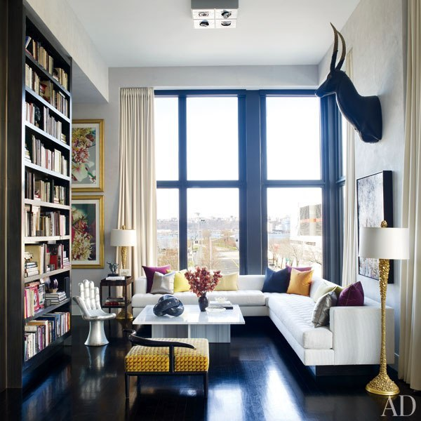 In a marquee Manhattan tower designed by architect Annabelle Selldorf, decorator Jamie Drake creates a space for himself—marked by lustrous finishes, choice splashes of color, and sculptural accents—geared toward company and cocktails. Don't miss the car elevator and private garage!