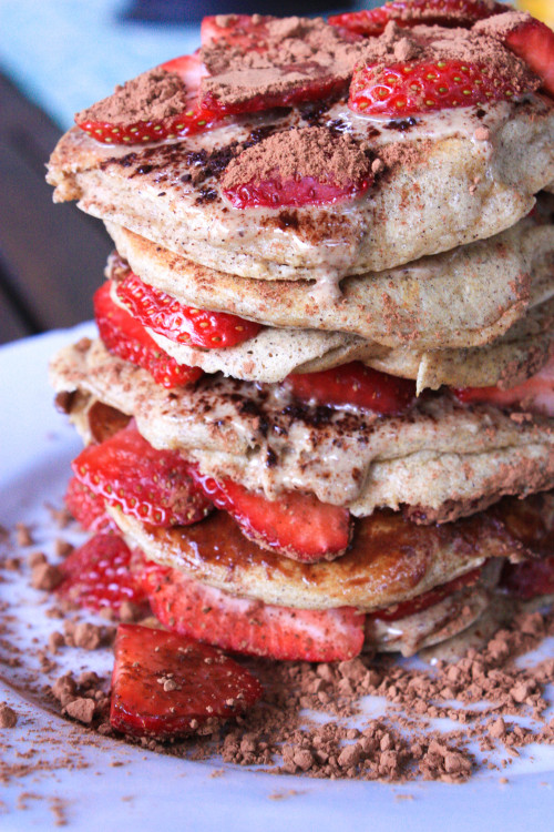 runningforicecream:  almond flour pancakes with cocoa, strawberries and almond butter