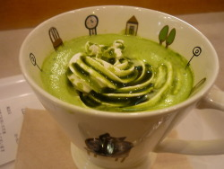 omnomnomjapanesefood:  Macha Latte at Nanba Station in Osaka thanks for submitting, pfirsichtrinker!