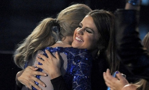 selena-closet:  Selena & Taylor Billboard Music Awards 2013