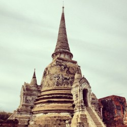 inpresentense:  Day trip to Ayutthaya, ancient capital before being sacked by the Burmese #thailand