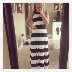 Fabulous new find at Target! This is the first maxi dress that I won't have to get hemmed. So girls that are 5'2 like me, this is a miracle! @targetstyle