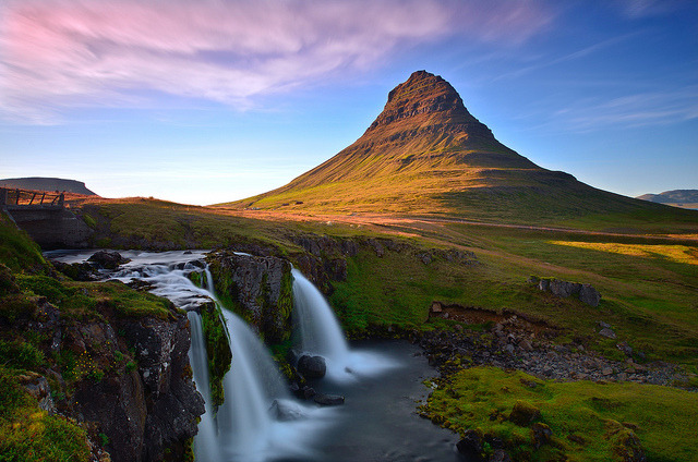 dolor-aeternalis:  Evening Light at Kirkjufellsfoss by David Shield Photography on Flickr.