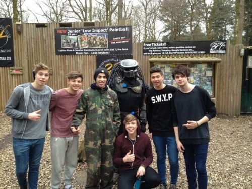 @Louis_Tomlinson: Great day out today @5secsofsummer @zaynmalik http://t.co/YJbivu5VQ3