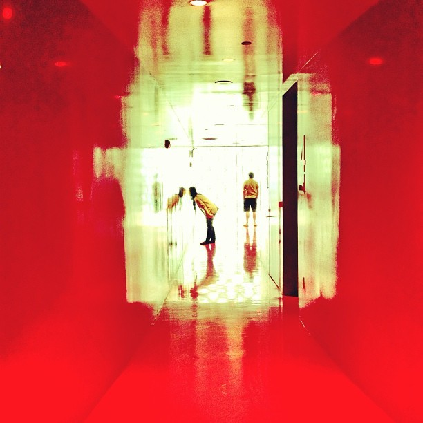 Red floor @ Seattle Public Library w/ TJ and Geo #red #seattle #library #red #arch  (at Seattle Public Library)