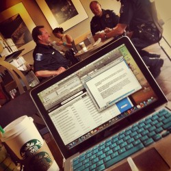 Sterling Heights Police 👮 hard at work kickin it at Starbucks ☕ Can't help muting my music to listen to the radio calls 😬 #shhs #oldstumpinggrounds #sterling #police #coffeebreak #view #distraction #music #mac #Starbucks #coffee #roger #wanderlusting #rua #hood