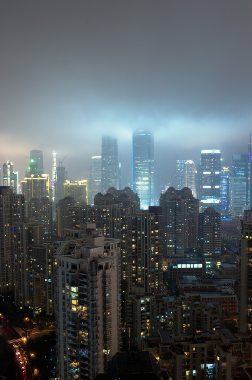 ethertune: Rain on the city (By Trois-Verres)