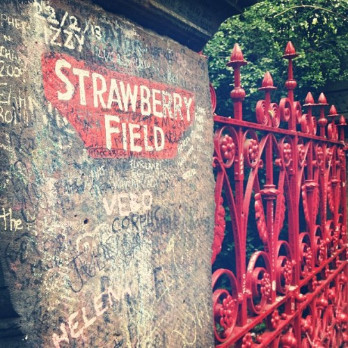 cecela:  Let me take you down, cause I'm going to #StrawberryFields… #liverpool #beatles (at Strawberry Field Gates)