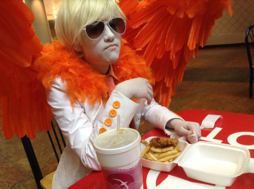ninjabirthdaycake:  I ate fried chicken as Davesprite because I thought it would be ironic do I win