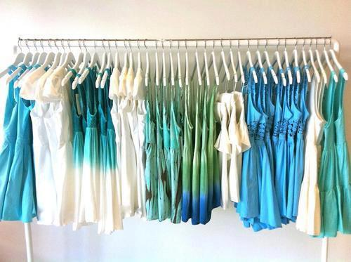 Dresses | via Facebook on We Heart It - http://weheartit.com/entry/57771276/via/lexiaini   Hearted from: https://www.facebook.com/pages/Stikleeeeeee/146100708754399?ref=stream