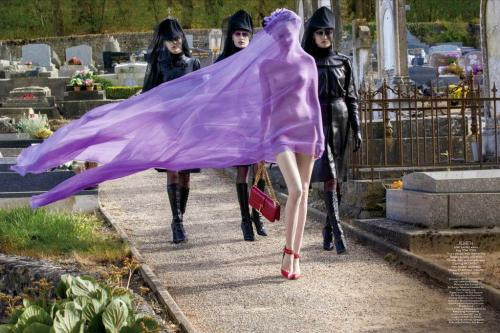 stuckupteen:  me arriving late to your funeral