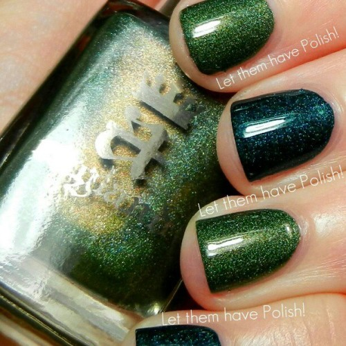 When it comes to @aenglandtweets Dragon and St. George… Its always such a dilemma. How am I supposed to wear JUST ONE??? So I solved it like this :-). Currently this mani is topped with @cirquecolors un Au (gold flake) and I dont ever wanna take it off. #officialletthemhavepolish #aengland #nailpolish #nailcolor #nailporn