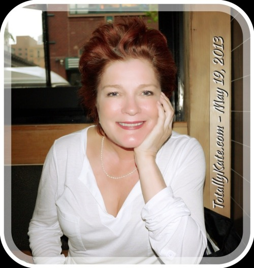 katemulgrew:  Kate Mulgrew after the 5/19/13 performance of Somewhere Fun at the Vineyard Theatre