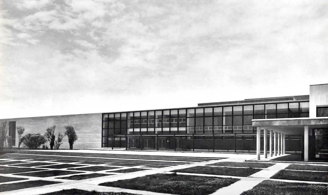 Una vida moderna edificio de escuela de arquitectura y for Arquitectura moderna