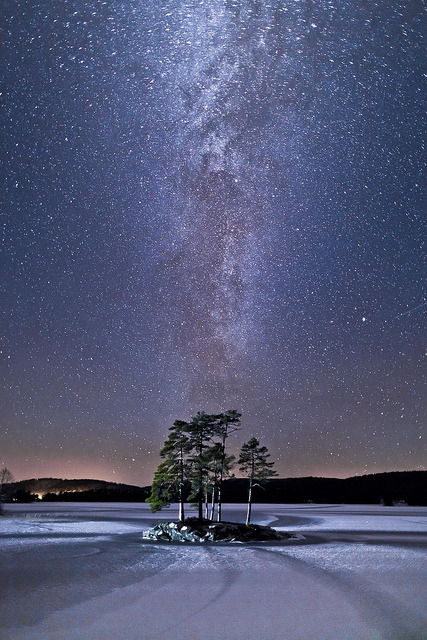 forbiddenforrest:  Milky way by Torehegg on Flickr.