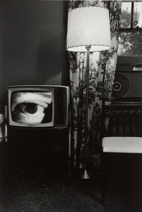 (via MoMA | The Collection | Lee Friedlander. Washington, D.C. 1962)
