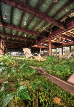 abandonedography:  Grossinger's Abandoned Resort, NY (by Walter Arnold