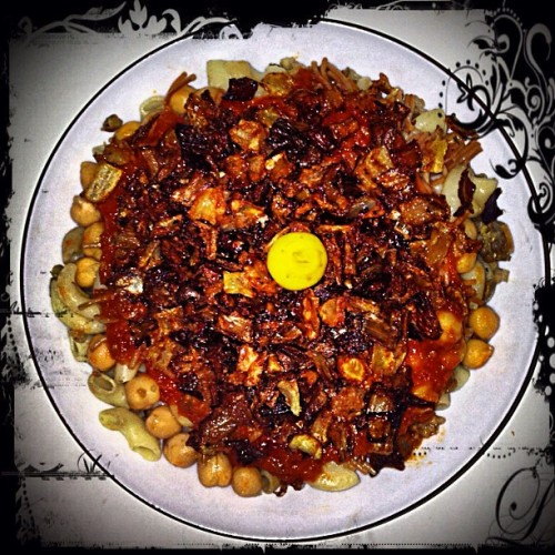 My meal for the day! Kushari is ALWAYS bomb!!! Thanks Mama!! 🙏❤ 🍝🍴😁☺👌👍 #Kushari #koshary #kosheri #koshari #Egyptian #Arabic كشرى# #arab #arabicfood #egyptian #egyptianfood #foooood #foodporn #bombdotcom #sogood #sobomb #garlic #onions #macaroni #lentils  #rice #friedonions #gooddish #dish #yougotserved #thanksmom #ilovemymom #mama #mommy #bananapeppers
