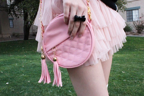 little-looks:  Check out more cute things on my blog! <3 http://little-looks.blogspot.com/