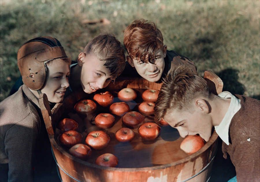 natgeofound:  Four boys bob for apples in Martinsburg, West Virginia, 1939.Photograph by B. Anthony Stewart, National Geographic