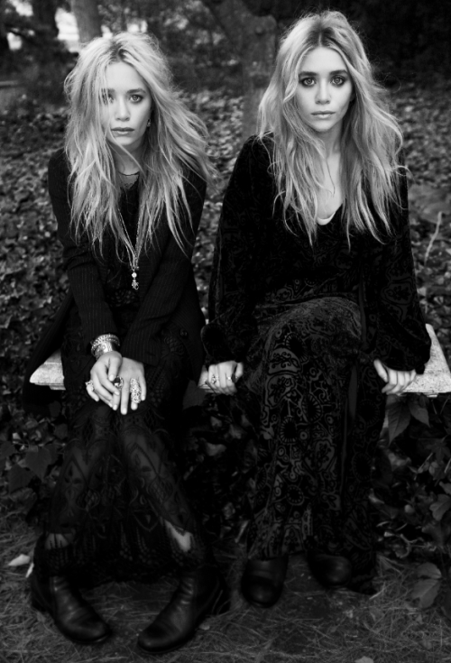 Mary Kate and Ashley Olsen ascended to fashion fame with their Elizabeth and James and The Row lines, and now the duo is expanding their stylish sense to include not one but two fragrances. Nirvana Black and Nirvana White »