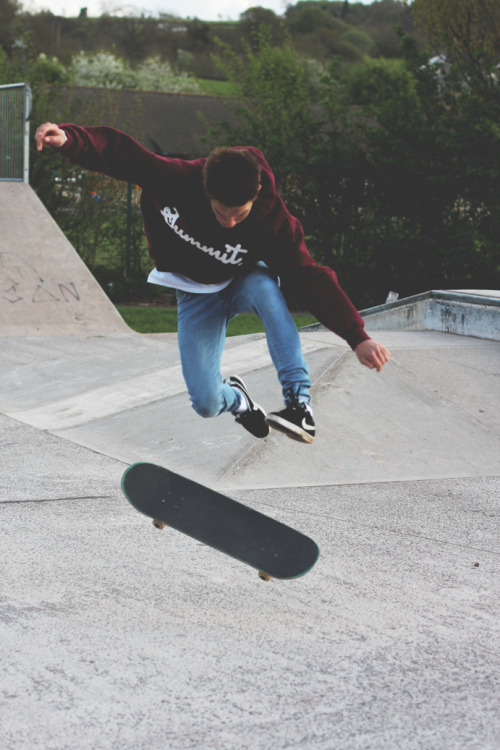 urban-exhaust:  fresh skate/urban/grafitti blog