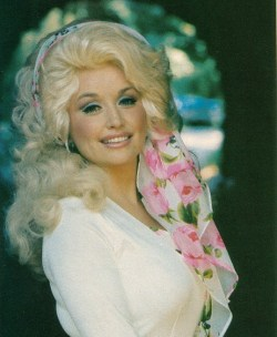 fortheloveofdolly:  Dolly Parton (circa 70s)